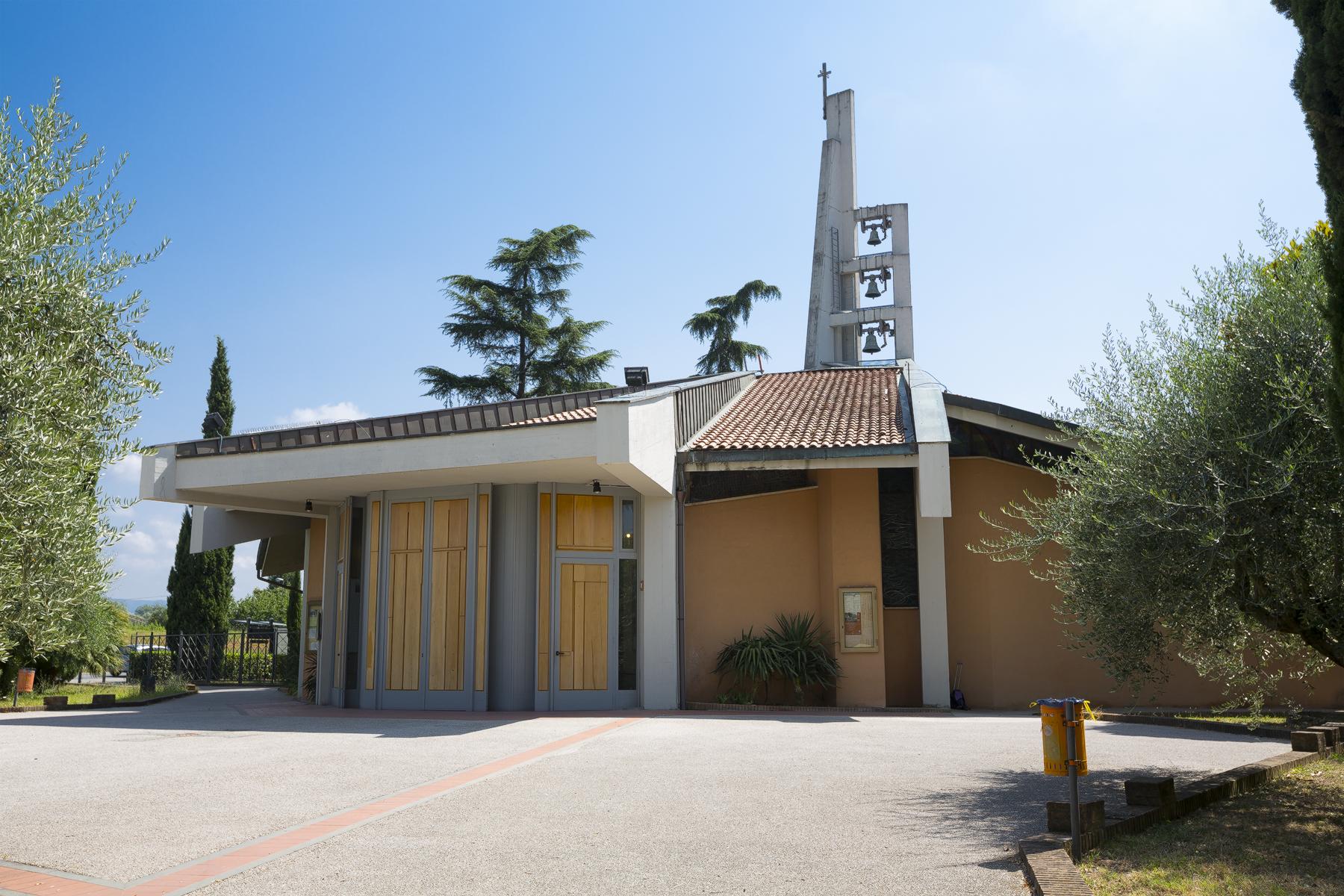 Chiesa Cattolica del SS. Nome di Gesù ai Bassi